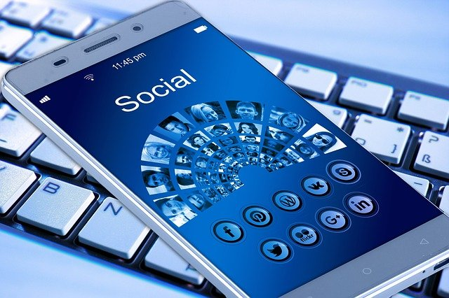 Sociale media op een smartphone